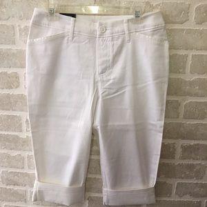 St. John's Bay women's size 8 Capri pants NWT